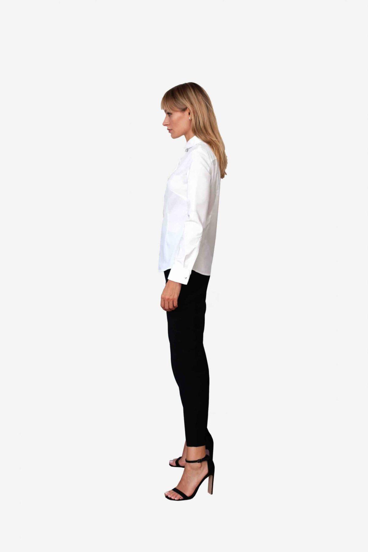 Bluse Michelle von SANOGE. Klassische Business Bluse in weiß. Made in Germany. Pflegeleicht, besonders atmungsaktiv, knitterarm, easy care.