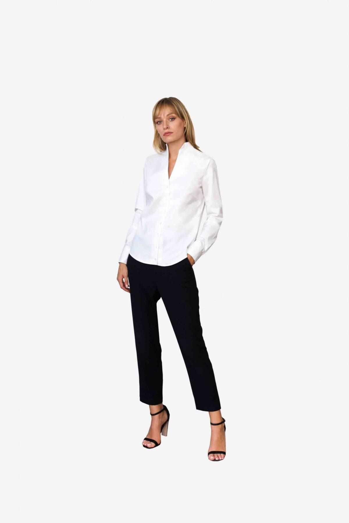 Bluse Sheirlyn von SANOGE. Elegante weiße Business Bluse mit Kelchkragen. Mondänes Design von Deutschem Designerlabel.