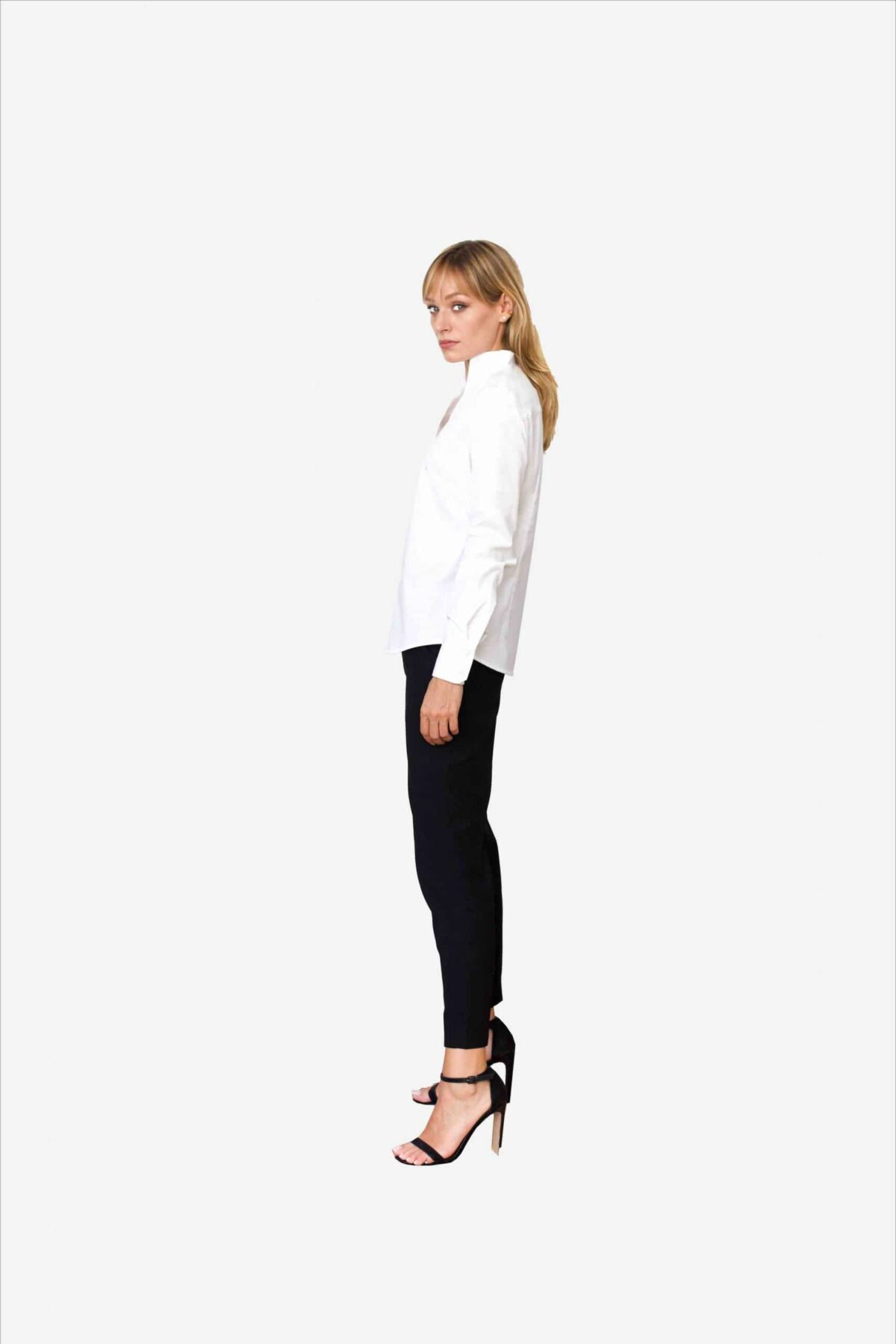 Bluse Sheirlyn von SANOGE. Stilvolle Designer Business Bluse in weiß mit Kelchkragen. Stehkragen. und Umschlagmanschetten. Herstellung in Handarbeit.