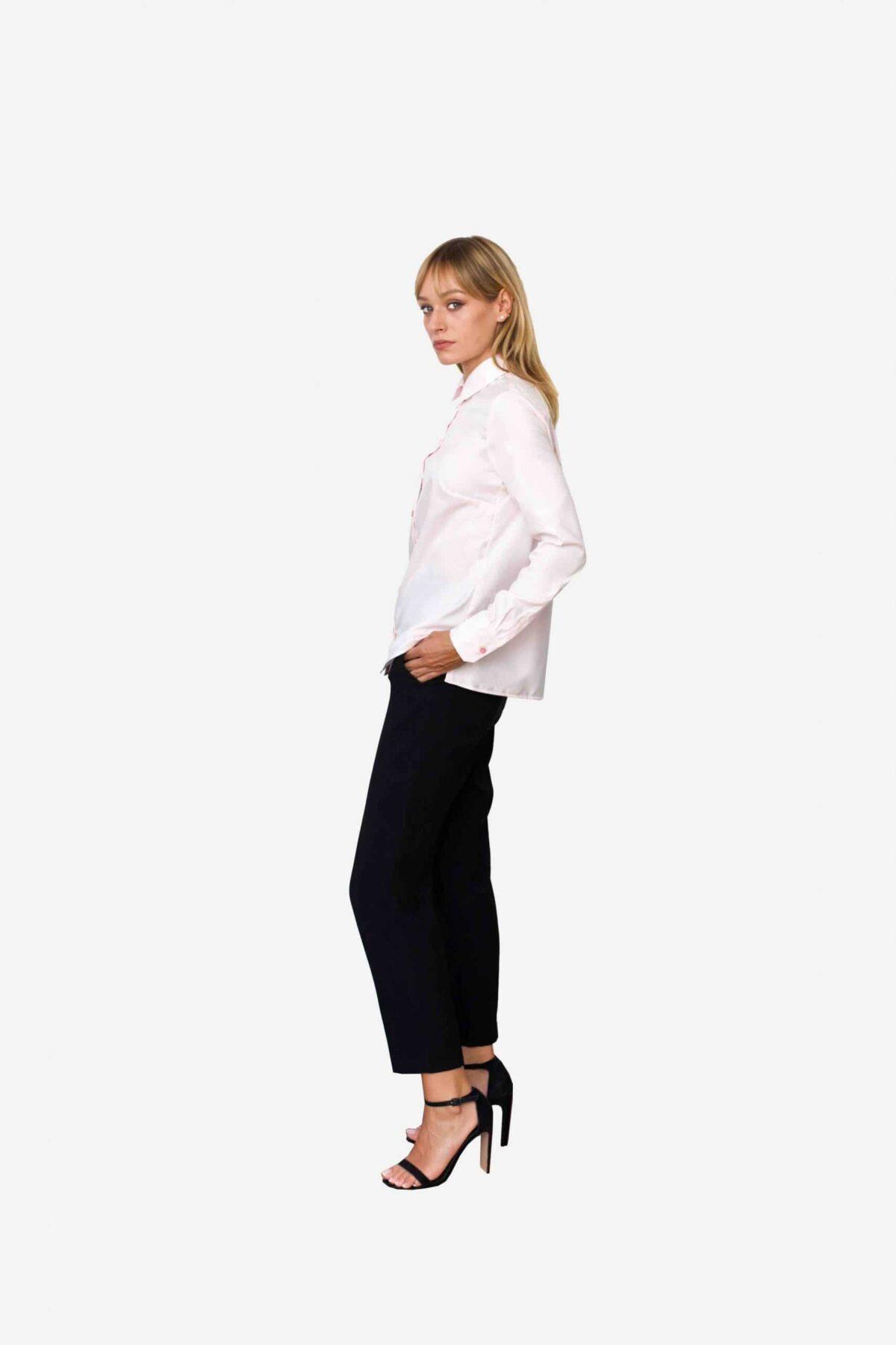 Bluse Valentina von SANOGE. Klassische Business Bluse in rosa mit Bubikragen Clubkragen in Regular Fit (gerader Passform). Knitterfrei, bügelleicht.
