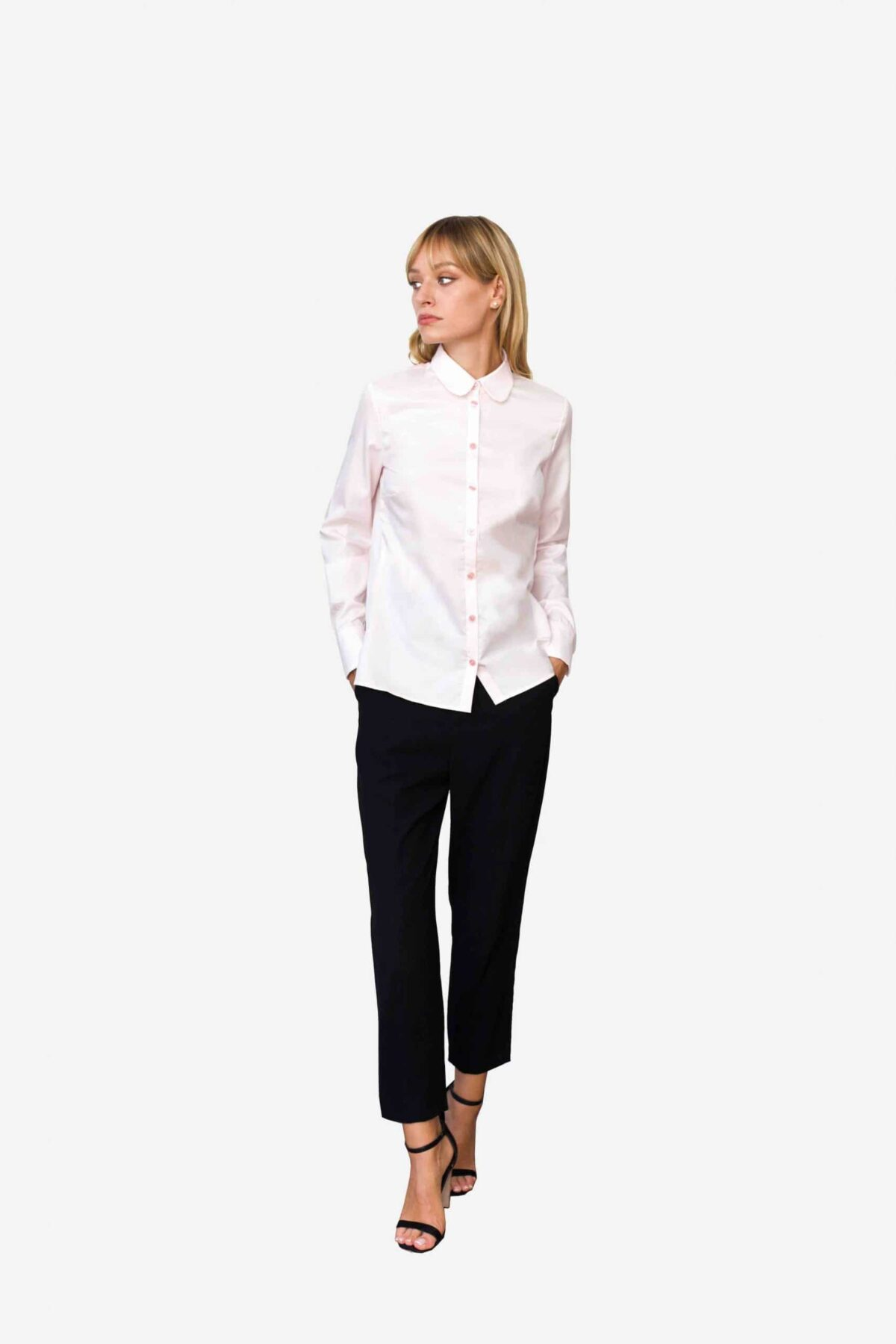 Bluse Valentina von SANOGE. Klassische Business Bluse in rosa mit Bubikragen Clubkragen in Regular Fit (gerader Passform). Hergestellt in Deutschland.
