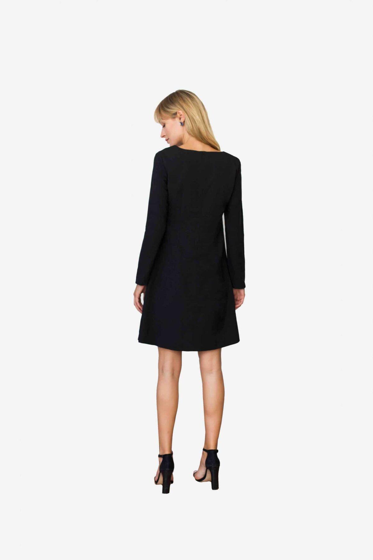 Kleid Cecilia von SANOGE - schwarzes Etuikleid mit langem Arm und Rundhalsausschnitt