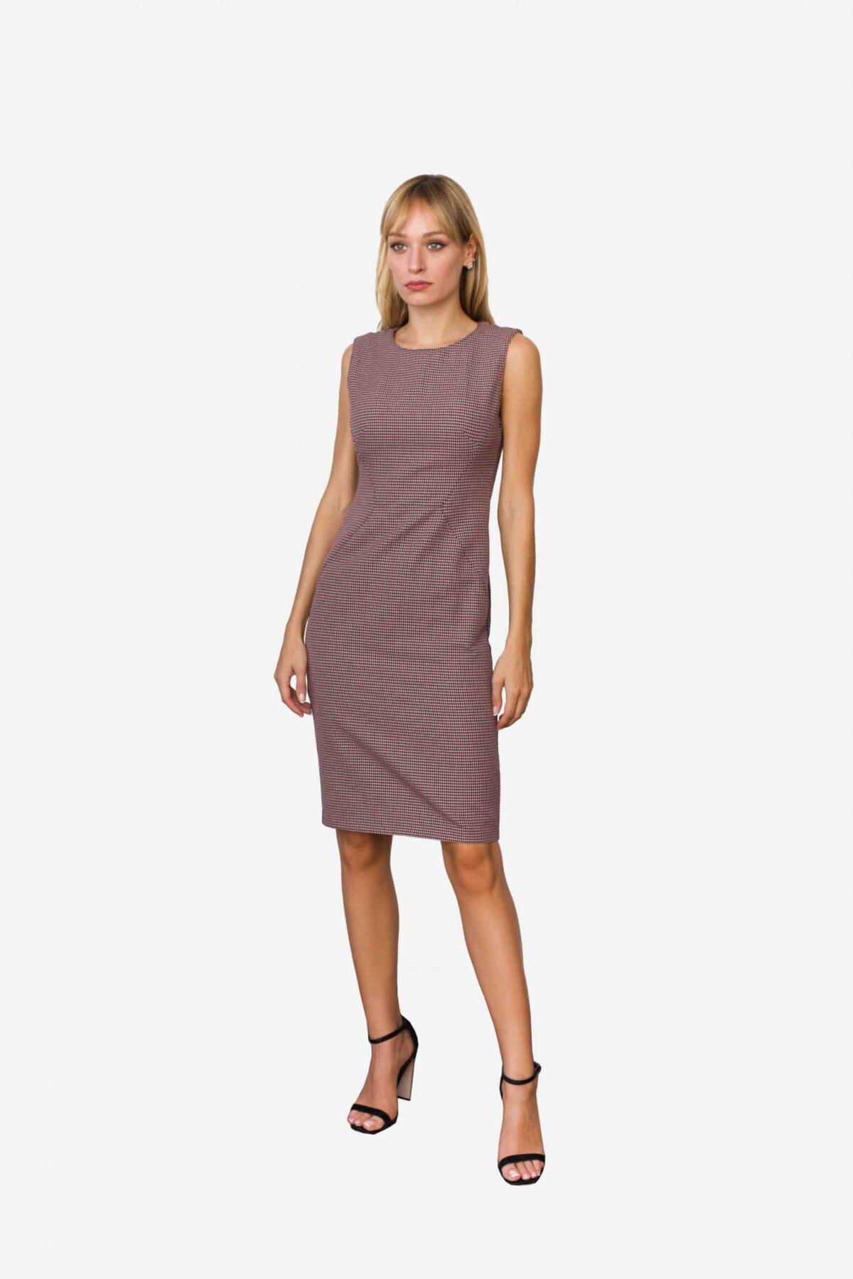 Kleid Defne von SANOGE. Figurbetontes Etuikleid ärmellos mit Pepita Muster in rose, altrosa und grau.