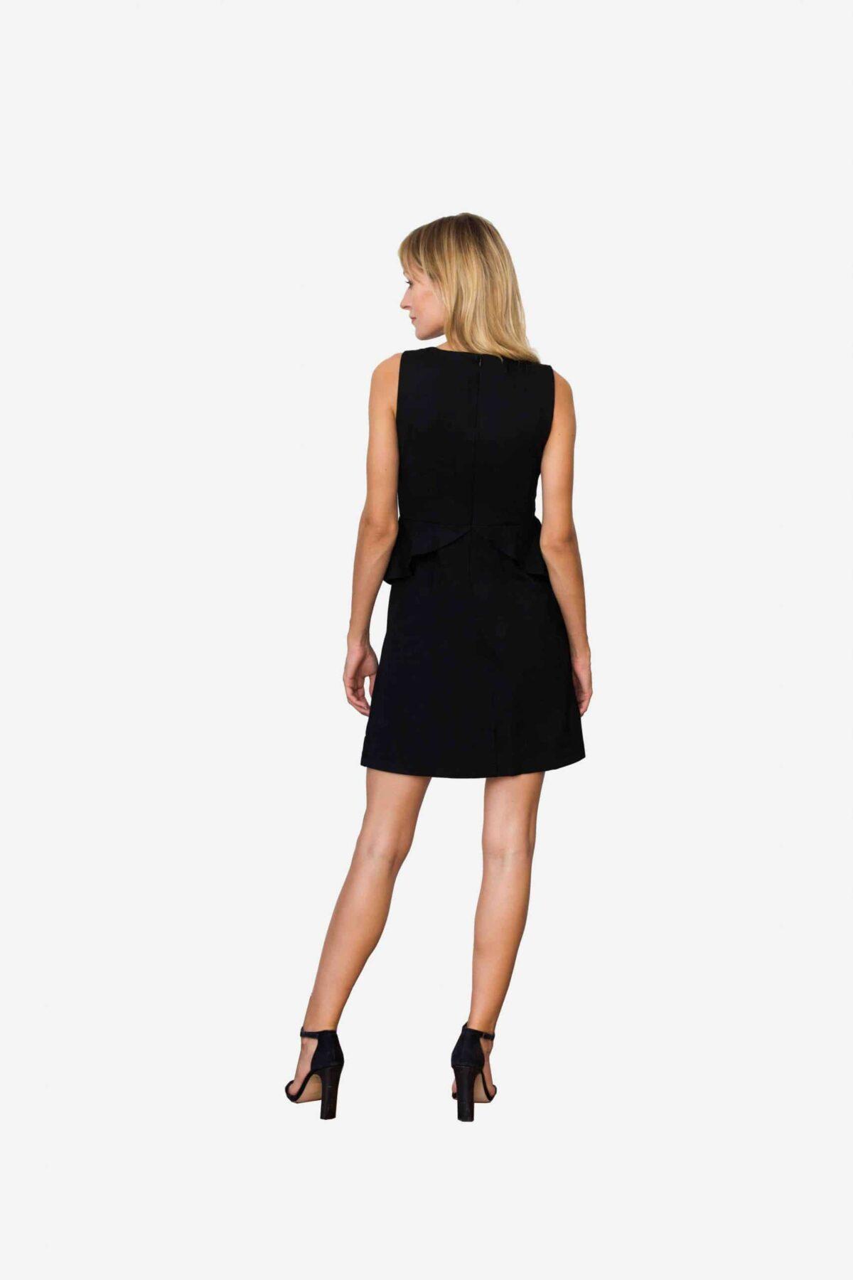 Kleid Sarah von SANOGE. Elegantes Kleid aus schwarzem Premium Jersey. Das Kleine Schwarze in neuer Interpretation. Made in Germany.
