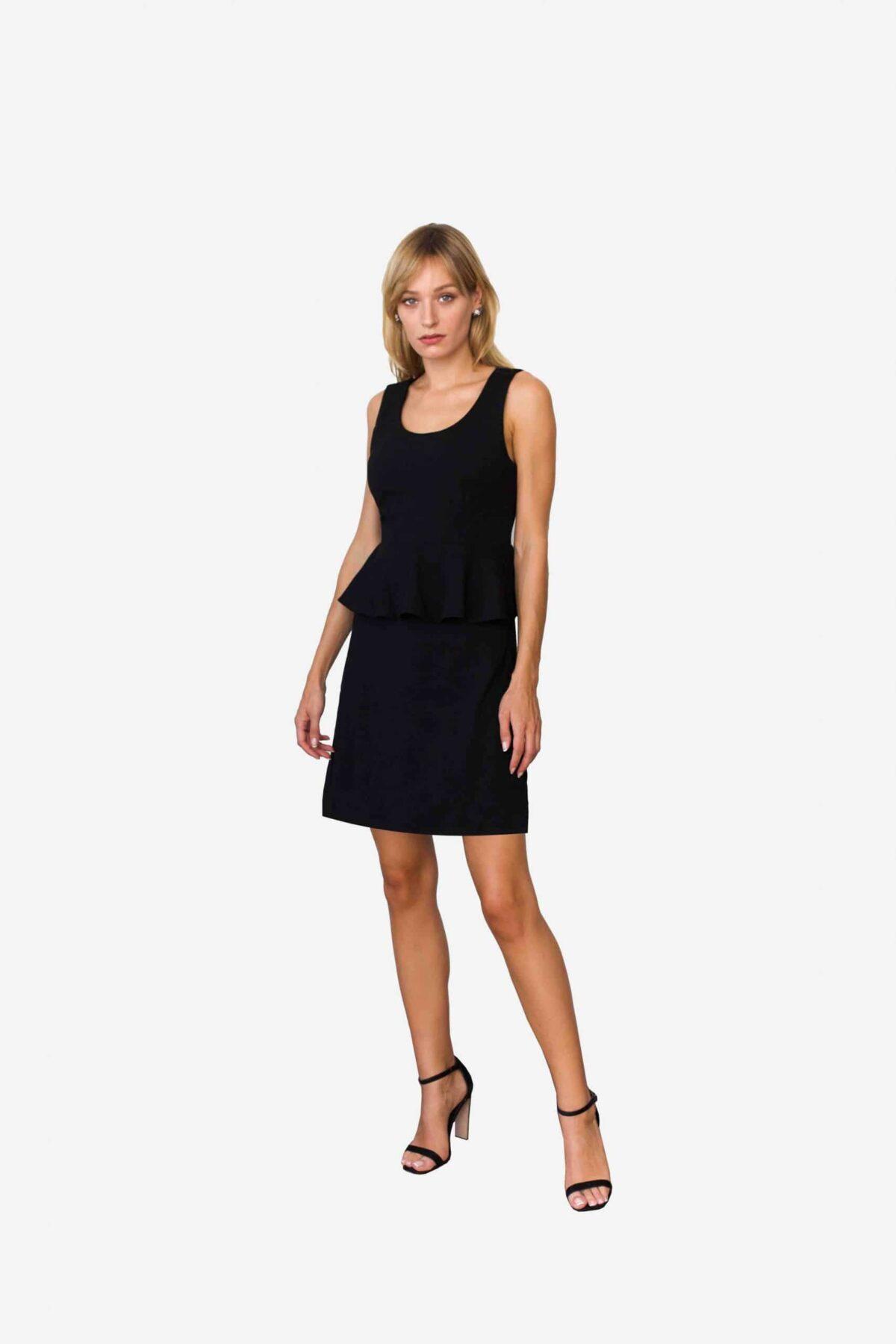 Kleid Sarah von SANOGE. Elegantes Kleines Schwarzes von Deutschem Designer Label. aus schwarzem Premium Jersey. Figurbetont. Mit Volant.
