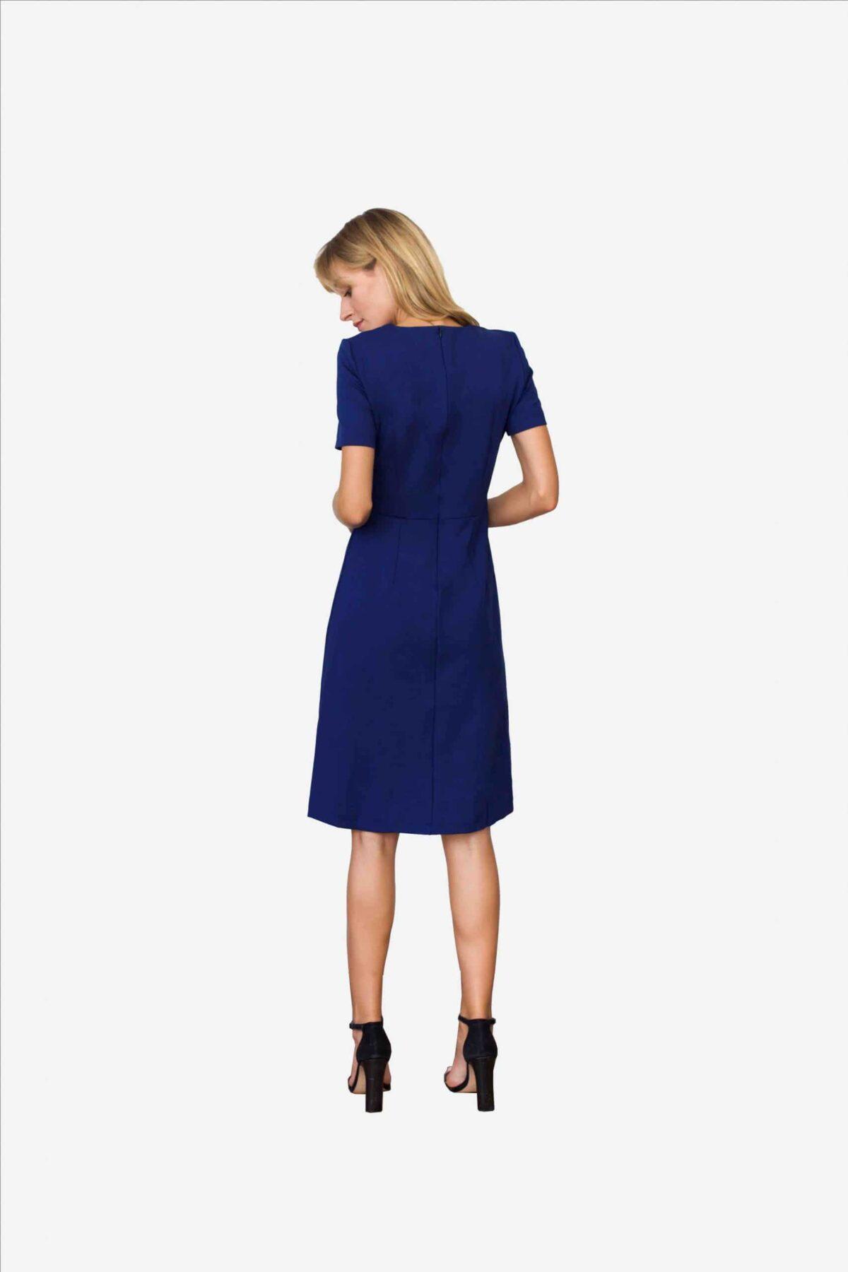Elegantes Kleid in einer businesstauglichen Variante der Farbe Royalblau - ein echter Eyecatcher
